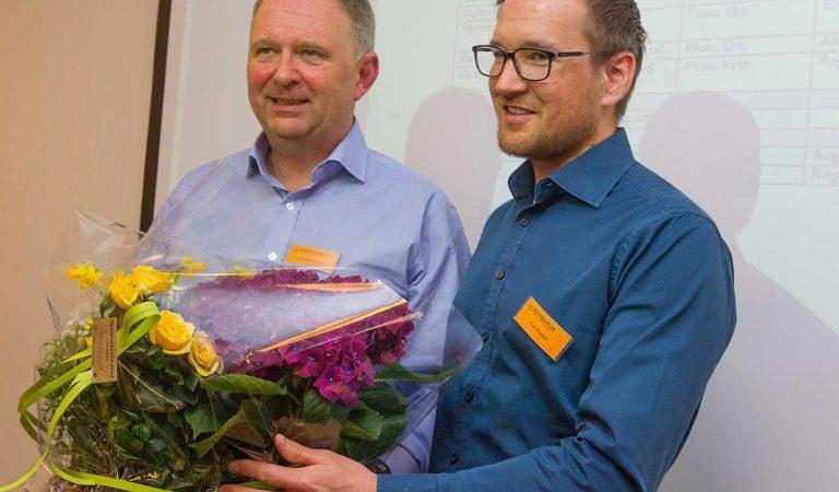 Nils-Odd og Kjetil idet sjefsskiftet finner sted.